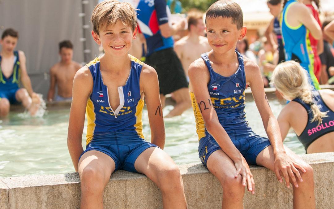 Dva bratři bojovali na závodech v Mělníku